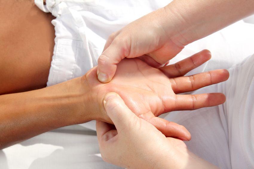 Tuina massage, één van de behandelingen bij Zhen-Chinese Geneeswijze | Wadenoijen | Tiel